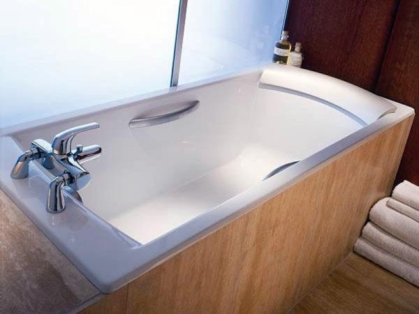 Чугунная ванна Jacob Delafon Biove E2938 с ручками
